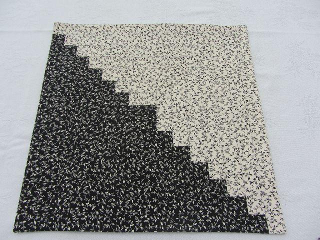Ubrus černo bílé schody